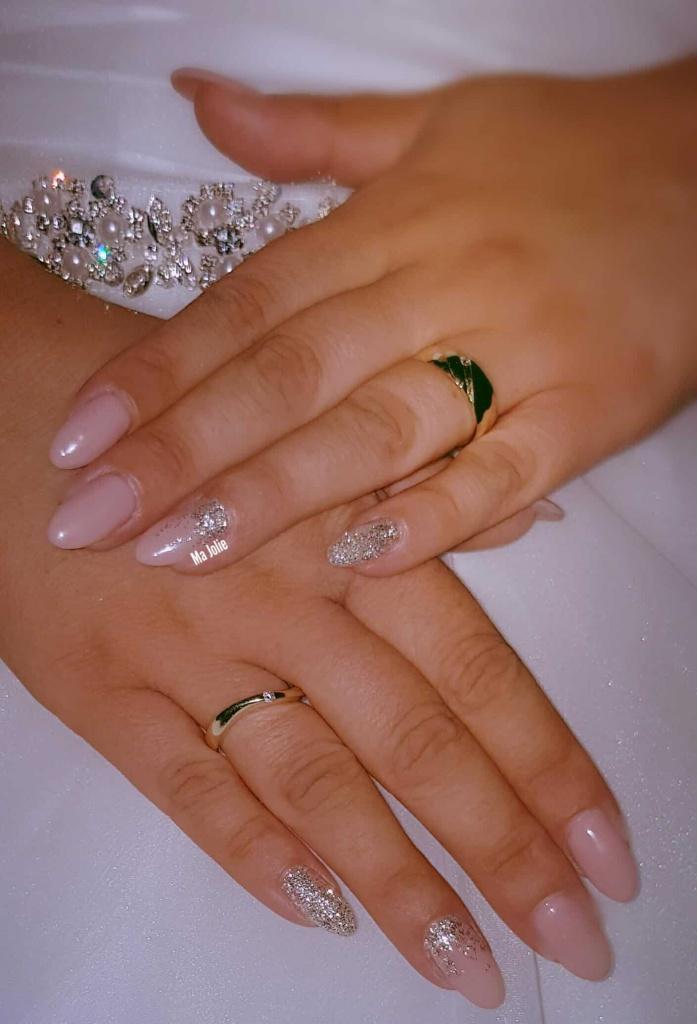 Braut nägel mit make-up Farbe